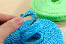 Windproof Anti-Slip Clothes Washing Line Drying Nylon Rope with Hooks (5 Meters )