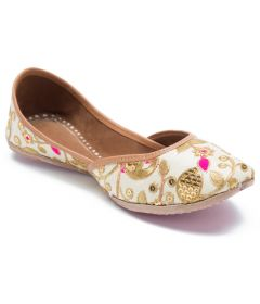 Sequins Embroidered Mojari | Leather Sole With Handstitched Juti's (Pack of 1)