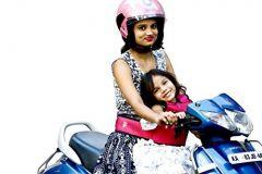 Kidsafe Two Wheeler Child Safety Seat Belt, Cool Pink Bird of Paradise