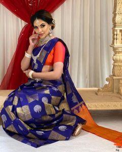 Silk Saree With All Over Zari Weaving Silver & Gold
