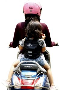 Move On Kids Safety 2 Wheeler Seat Belt/Front Standing and Sitting Behind (Black)