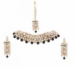 CATALYST Gold-Plated Pearl and Stone Choker/Necklace Set With Earring and Maang Tikka For Women (Black & Golden)