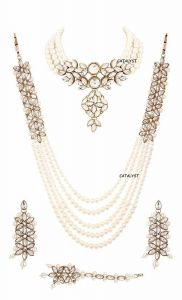 CATALYST Stylish Pearl Necklace Set With Choker Set, Earrings & Mang Tikka For Women (White)