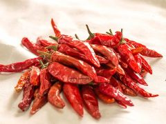VEDELA Naturals- RED Chilli LAL MIRCH Whole-SABUT LAL MIRCH No Added Colour , No Preservatives (1 KG) (Pack of 1)