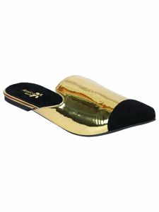 Sakhicollection Women's Fashionable Synthetic Flat Sandals (Black/Gold)