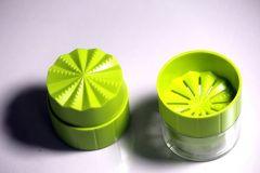 LWVAX Garlic Rolling Choppers Mini Plastic Crusher Garlic Press Grater Peelers Twist Kitchen Accessories Cooking Tools