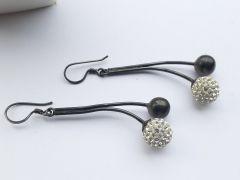Astrogemsindia Fashionable White and Black Savaroski with Mini Plated Diamond Earring for Women & Girls