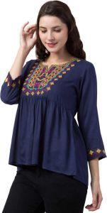 Women's Casual Top With Neck Design - Blue