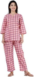 Women Printed Top & Pyjama Set - Pink